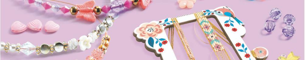 Loisirs créatifs, fleurs, perles et bijoux à créer pour enfant