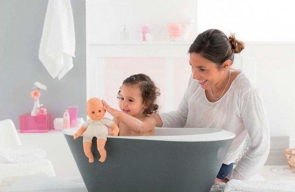 Baigneur pour jouer dans le bain