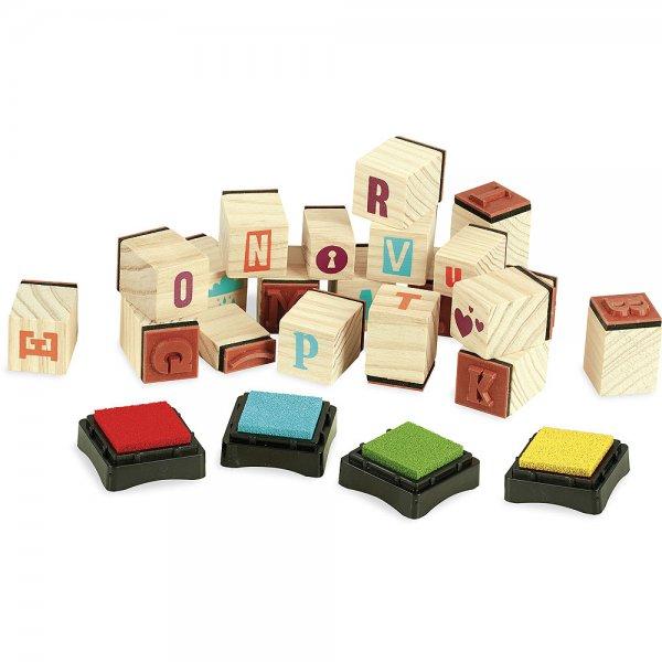 Tampons avec les lettres de l'alphabet