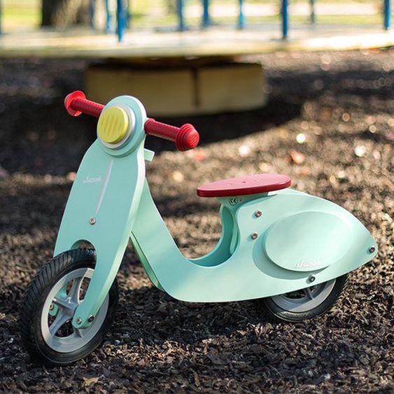 Draisienne en forme de scooter pour enfant