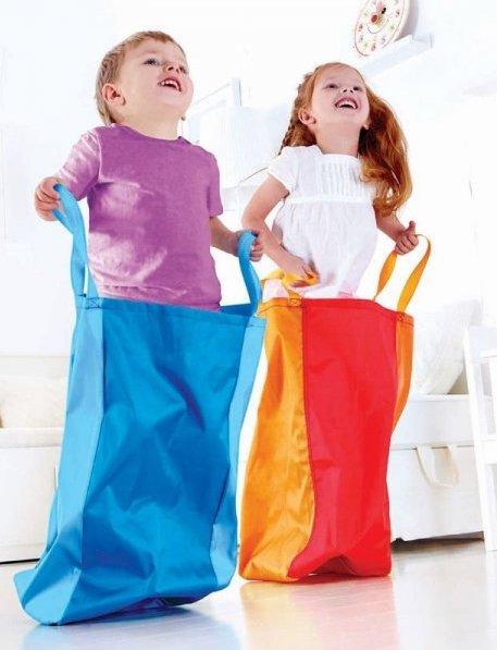 Course en sac pour les enfants
