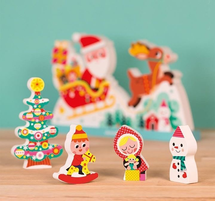 Jouets en bois sur le thème de Noël
