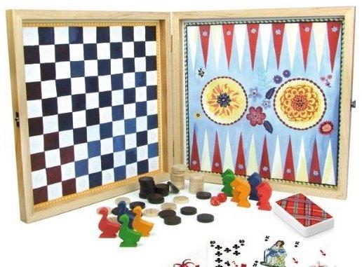 Boite de jeux traditionnels pour jouer en famille