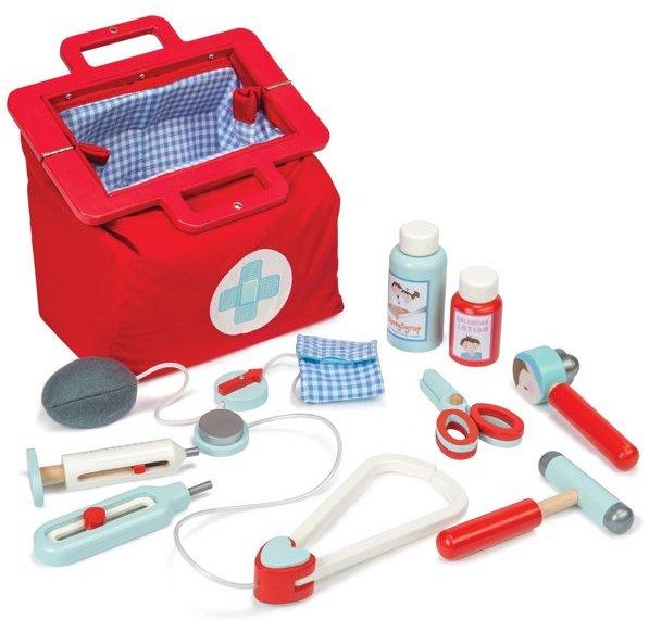 Valise de docteur avec les accessoires